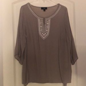 Flowy tunic top with embroidered detail